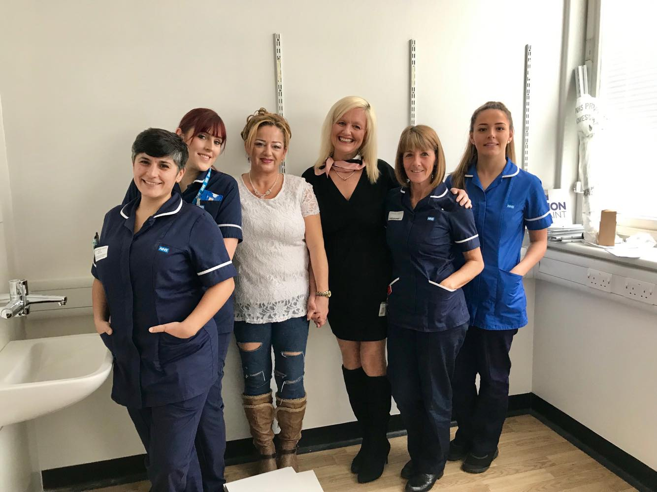 Huddersfield Royal Infirmary Ward 17 staff with Fiona and Debbie from The Basement Recovery Project